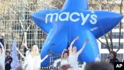 Gwen Stefani performs at The Macy's Thanksgiving Day Parade in New York City, Nov. 23, 2017.