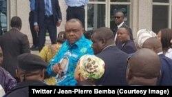L'ancien chef rebelle et vice-président congolais avant d'embarquer dans son avion en direction de Gemena, Equateur, 4 août 2018. (Twitter /Jean-Pierre Bemba)