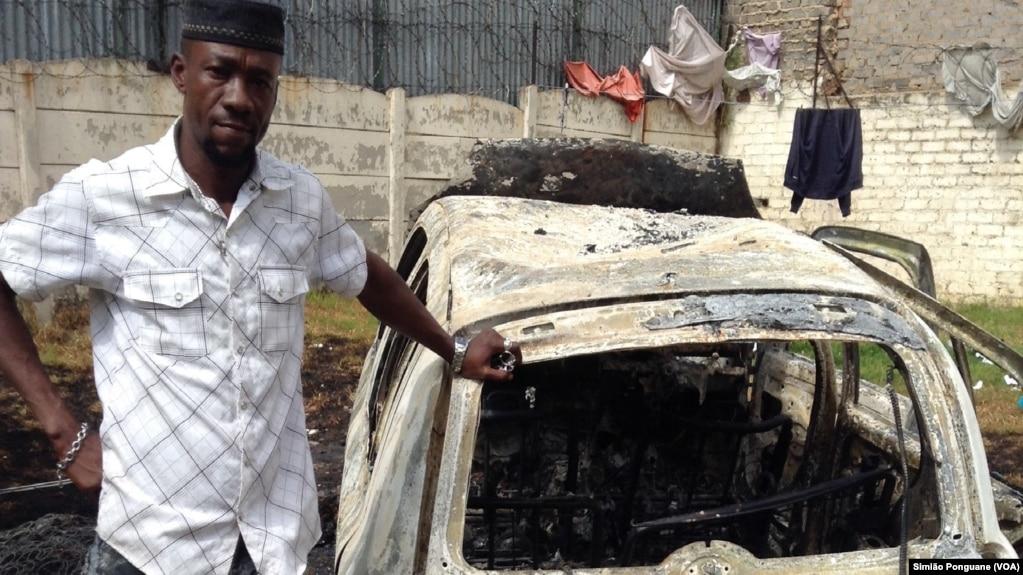 Obian Kenneth, imigrante nigeriano, teve carro queimado, Rosenttenville, África do Sul