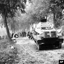 图为德国装甲车1919年9月进入波兰