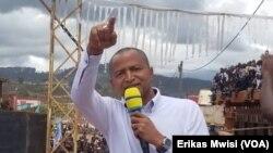 Moïse Katumbi na lisikulu na ye na Butembo, Nord-Kivu, 29 octobre 2019. (VOA/Erikas Mwisi)