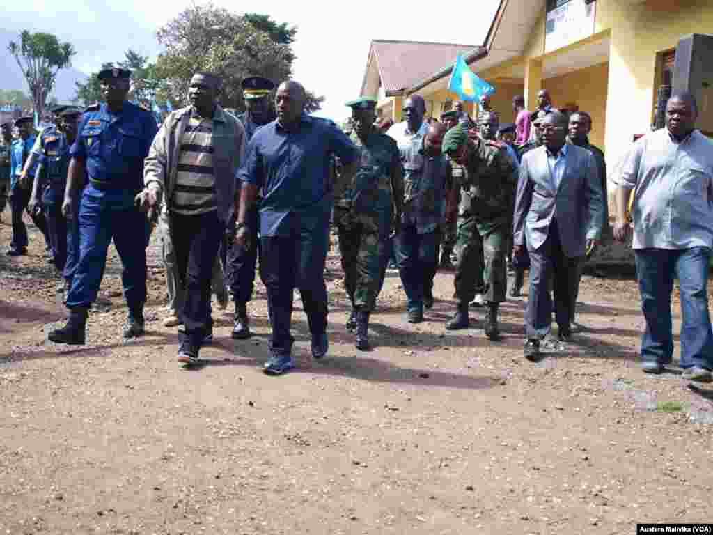 Rais Joseph Kabila pamoja na Gavana wa Kivu Kaskazini Julien Paluku mjini Goma