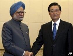中国国家主席胡锦涛与印度总理辛格周三在海南三亚