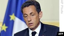 Sarkozy Filistin Lideri Abbas'la Görüştü