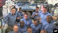 International Space Station crew, 24 Nov 2009