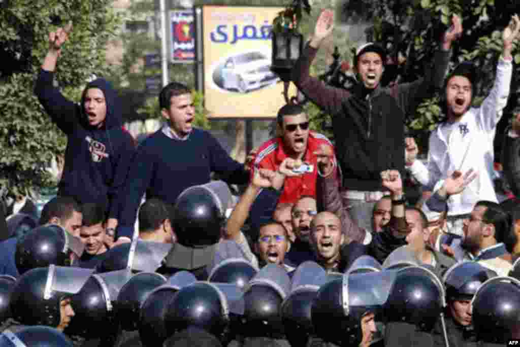 Angry Egyptian protestors shout anti-government slogans during a protest in Suez, Egypt, Thursday, Jan. 27, 2011. Egyptian activists protested for a third day as social networking sites called for a mass rally in the capital Cairo after Friday prayers, ke