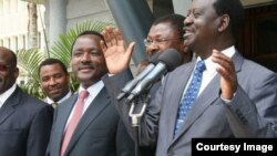 Viongozi wa CORD, raila Odinga (kulia) Moses Wetangula na Kalonzo Musyoka