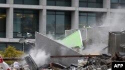 Giới hữu trách nói rằng không còn hy vọng tìm được người còn sống trong tòa nhà 5 tầng bị đổ sập