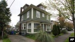 Bobby Thompson fue capturado en la casa de la imagen en Portland, Oregon.