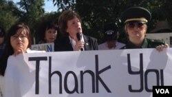 지난해 9월 미국 국무부 청사 앞에서 열린 탈북자 강제북송 중단 촉구 시위에서 수잔 숄티 북한자유연합 대표가 연설하고 있다. (자료사진)