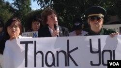 22일 워싱턴 미 국무부 청사 앞에서 열린 탈북자 강제북송 중단 촉구 시위에서 수잔 숄티 북한자유연합 대표가 연설하고 있다.