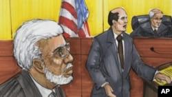速写画显示拉纳(左)2011年六月七日在芝加哥法庭出庭