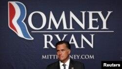 El candidato republicano Mitt Romney habla durante una parada para recaudar fondos en Salt Lake City, Utah, el 18 de septiembre de 2012.