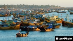Tàu đánh cá của ngư dân Việt Nam ở Mũi Né.