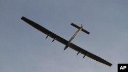 Pesawat tenaga surya Solar Impulse 2