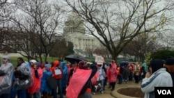 El presidente de la Cámara de Representantes, John Boehner, se dirigió a la multitud para asegurar que los legisladores estén a favor de la vida.