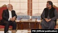 ایران کے وزیر خارجہ جواد ظریف کی پاکستان کے وزیر اعظم شاہد خاقان عباسی سے ملاقات۔
