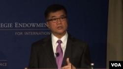 美國駐華大使駱家輝9月13號在華盛頓發表講話(VOA視頻截圖)