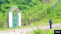 myanmar border fence
