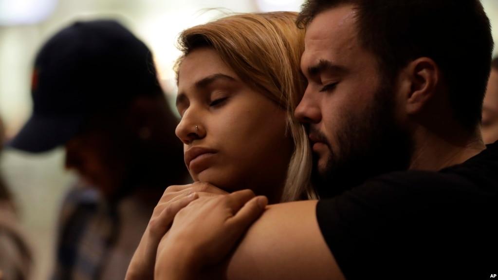 Las Vegas, studentët presin ndryshime pas vrasjeve masive