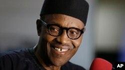 나이지리아 대통령에 당선된 무함마두 부하리 후보가 1일 기자들의 질문에 답하고 있다.