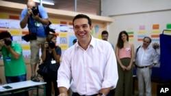 2015年9月20日左翼政党、前总理齐普拉斯到选举站投票。