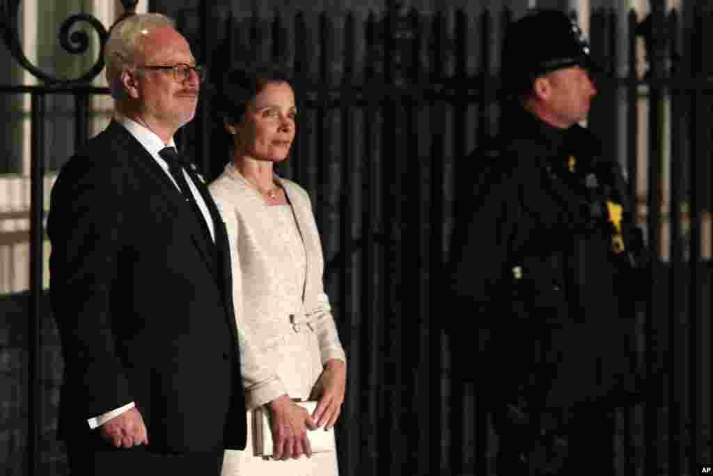ایگل لویتس نخست وزیر لتونی و همسرش آندرا