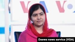 Malala Yousafzai dalam acara yang diselenggarakan VOA di Newseum, Washington, DC (30/8).