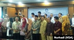 Mendikbud Muhadjir Effendy (kanan) dalam pertemuan dengan para guru di Yogyakarta, Senin 25 Maret 2019. (Foto:VOA/Nurhadi)