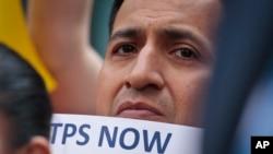Manifestación para pedir un TPS para los ecuatorianos tras el terremoto de 2016. El TPS nunca se otorgó.