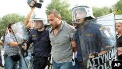 Επιδείνωση της κατάστασης των μέσων ενημέρωσης στην Ελλάδα βλέπει η SEEMO