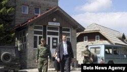 Ministar odbrane Aleksandar Vučić i načelnik Generalštaba Vojske Srbije general-potpukovnik Ljubiša Diković