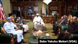Tawagar Shugabanin wasu kasashen Yammacin Afirka, da ta hada da shugaban Najeriya Buhari, ta ziyarci Shugaban Gambia Yahya Jammeh kan badakalar