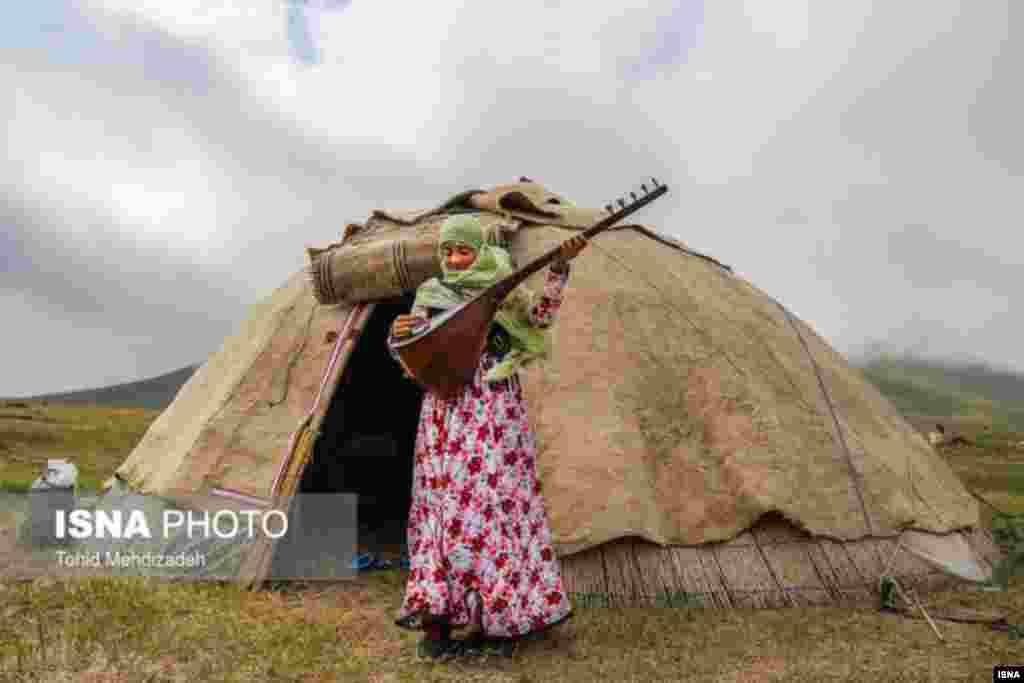 عشایر آتمیانلو یکی بزرگترین گروه های منطقه ارسباران در ییلاق اطراف شهرستان اهر آذربایجان شرقی هستند که بیش از ۱۰۰ خانوار در آن هستند. عکس: توحید مهدی زاده