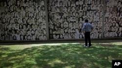 Páez estuvo directamente involucrado en el Plan Cóndor. En la imagen, un memorial para víctimas de la dictadura en Argentina.