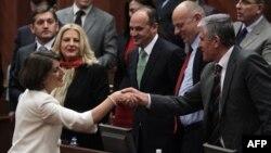 Nova predsednica Kosova Atifete Jahjaga nakon izbora u Skupštini Kosova