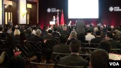 美中关系全国委员会、北大国家发展研究院在纽约证交所举办中国经济研讨会。(美国之音 方冰拍摄)