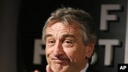 Robert DeNiro (2009 file photo)