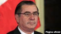 El presidente del Consejo de Ministros, Oscar Valdés, y dijo que el gobierno hará de todo para rescatar con vida a los mineros.(Foto: Presidencia de Perú)