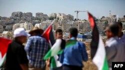 فلسطینی حکام نے مجوزہ منصوبے کو اسرائیل نواز اور دو ریاستی حل کے منافی قرار دیتے ہوئے عالمی برادری سے اس کا بائیکاٹ کرنے کی اپیل کی ہے۔ (فائل فوٹو)