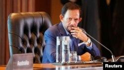 Raja Brunei Darussalam, Sultan Hassanal Bolkiah mulai memberlakukan UU kriminal berbasis ajaran Islam.