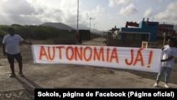 Movimento Sokols bloqueia estrada