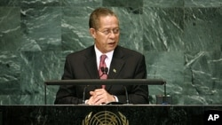 Jamaica's Prime Minister Bruce Golding, (File).