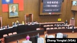 台灣立法院就倒閣案進行表決(美國之音張永泰拍攝)