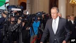 2015年2月24日俄罗斯外交部长谢尔盖·拉夫罗夫离开法国外交部
