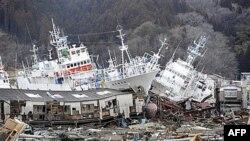 Nasukane olupine brodova mogu se videti duž obale Japana koji su pogodili zemljotres i cunami