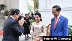 Presiden akan umumkan susunan kabinet Senin. Hal ini dikatakan di sela-sela kunjungan sejumlah pemimpin negara sahabat.