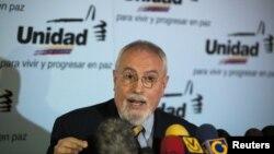Ramón Guillermo Aveledo, coordinador de la Mesa de Unidad Democrática, insta al oficialismo a contar la realidad.