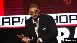 Top 5 Billboard: Drake tiếp tục thống trị bảng xếp hạng