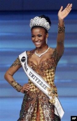 Miss Universo, Leila Lopes, na Indonésia